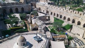 Das Tower-of-David-Museum hat nicht nur eine sehr interessante Ausstellung zur Geschichte Jerusalems sondern auch einen für verschiedene Anlässe aktiv genutzten Innenhof.